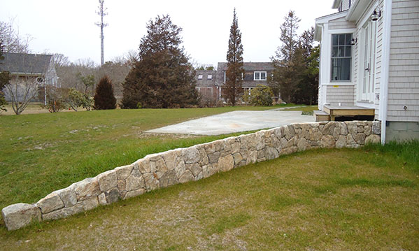 small stone retaining wall